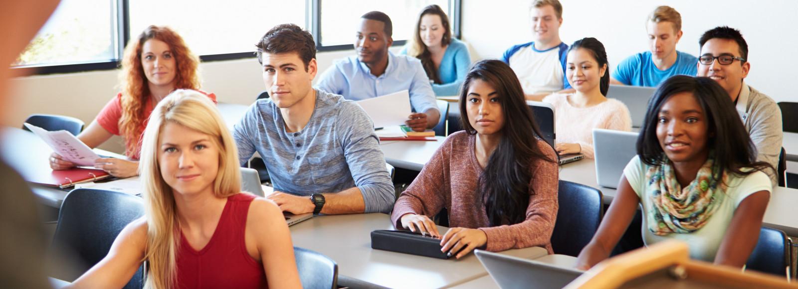 Cursos de Ensino à Distância para Concursos Públicos